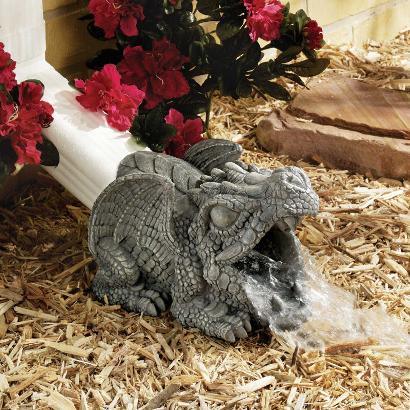Design Toscano Darian the Dragon Gutter Guardian Downspout Statue