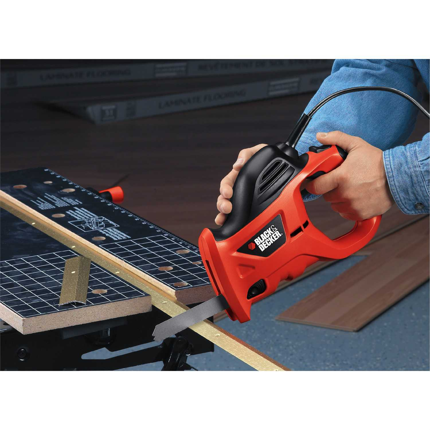 BLACK+DECKER PHS550B 3.4 Amp Powered Hand Saw